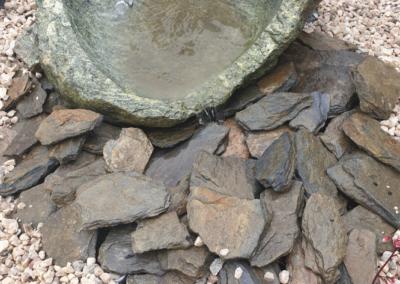 Tomaszek Ogrody kamienie misa fontanna